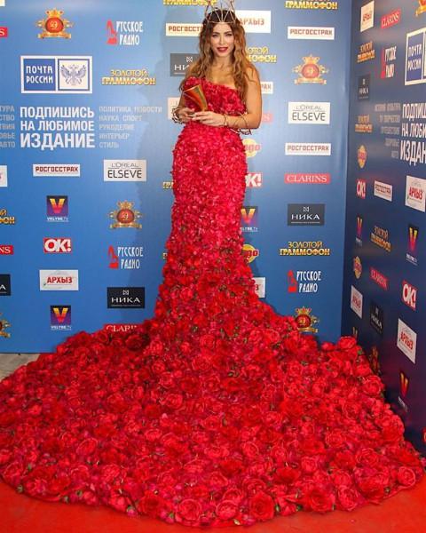 Платье лорак из роз