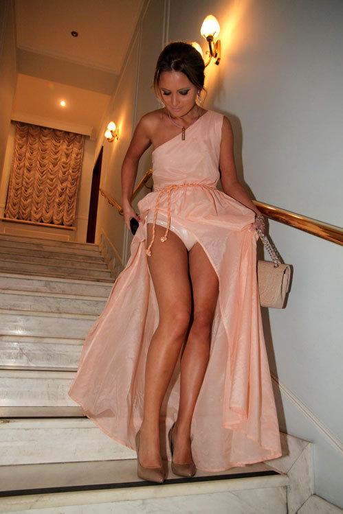 в платье интим фото