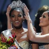 Титул «Мисс Вселенная-2011» завоевала темнокожая девушка из Анголы